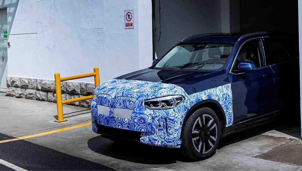 Yeni BMW iX3 Yollara Çıkmaya Hazırlanıyor